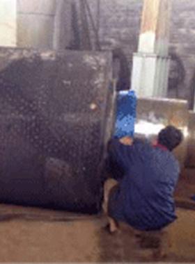 水泥輥壓機修復